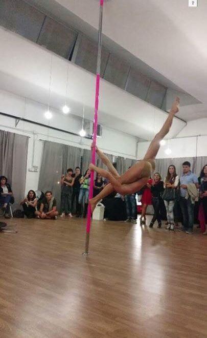 lorenzo la spezia poledance