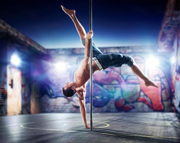 pole-dance-uomini-02